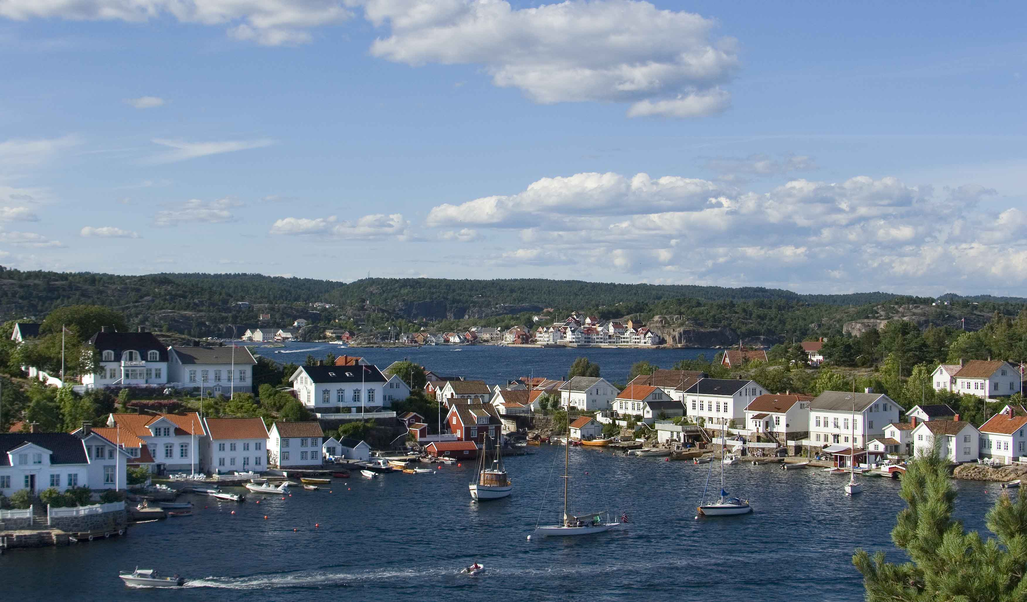 Skerries, houses and boats at Lyngør, Kristiansand.
