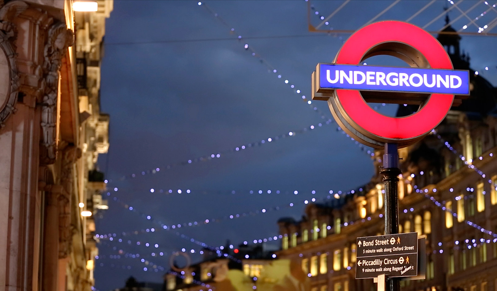 London Underground skilt nær Bond Street, London.
