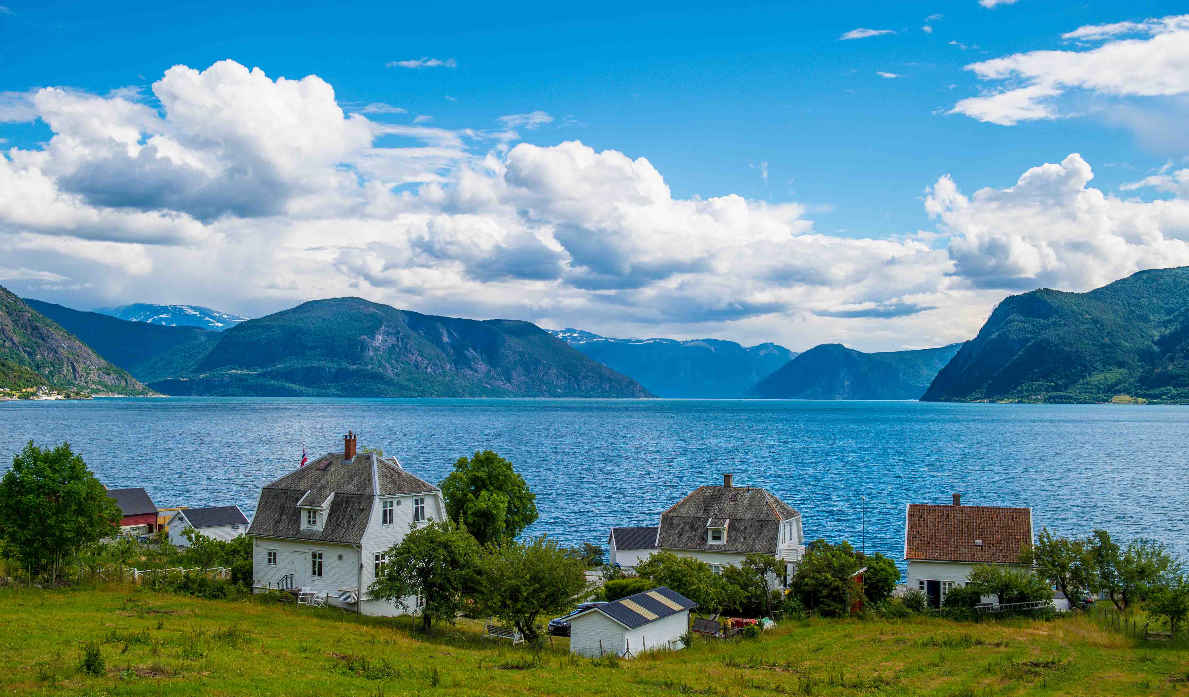 Houses, fjord and mountain meet in Sogndal
